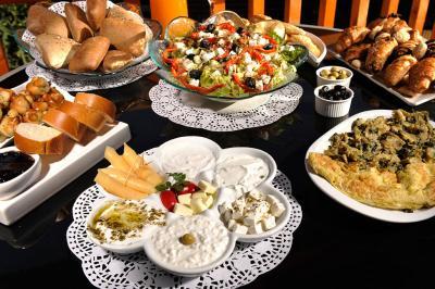 ארוחת בוקר עשירה ומגוונת לבחירתכם