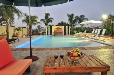 Pool area - Ahuzat Alin