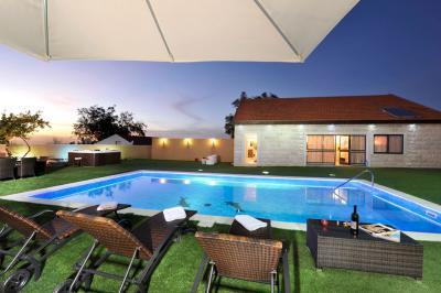 Pool area - HaShemesh HaKsoma