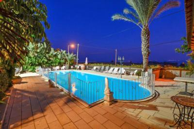 Autour de la piscine - Biktot Bagalil