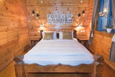 חדר השינה הרומנטי של הסוויטה