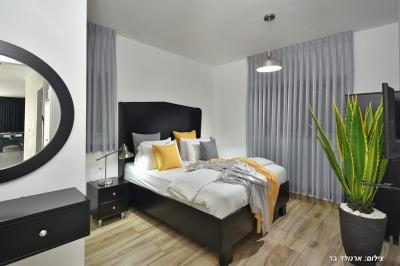 חדר שינה מעוצב ומוקפד במיוחד