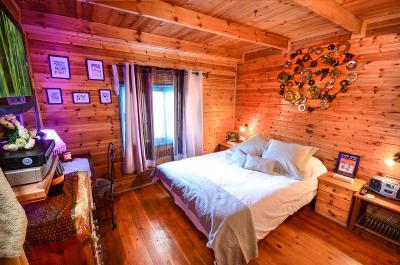 חדר שינה זוגי חמים ונוח
