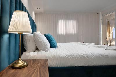חדר השינה הזוגי והמפנק עם מיטה נוחה במיוחד