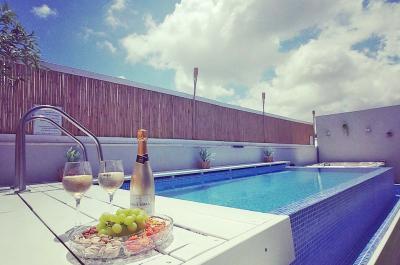 Pool area - De Oro d'Oro