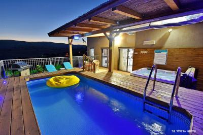 Pool area - Bertmns