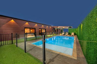 Pool area - Neot Alma